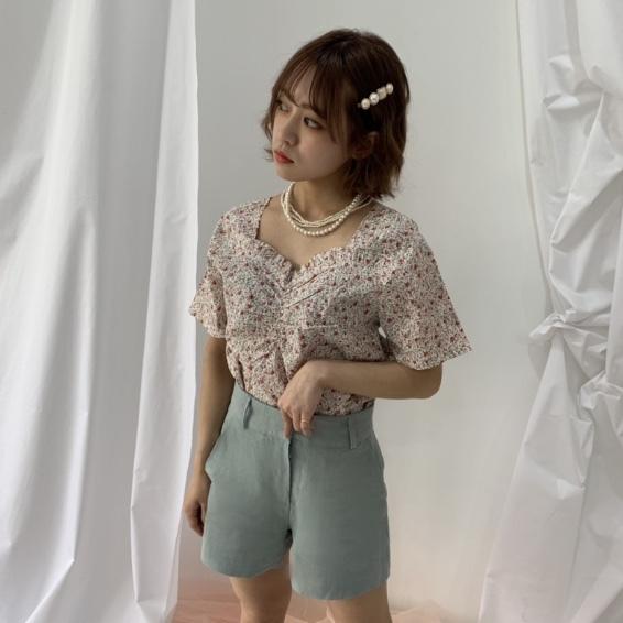 high-waist  short pants