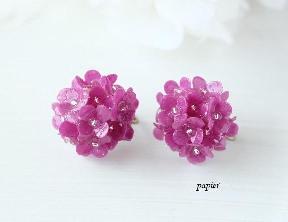 【セール】赤紫アジサイのイヤリング