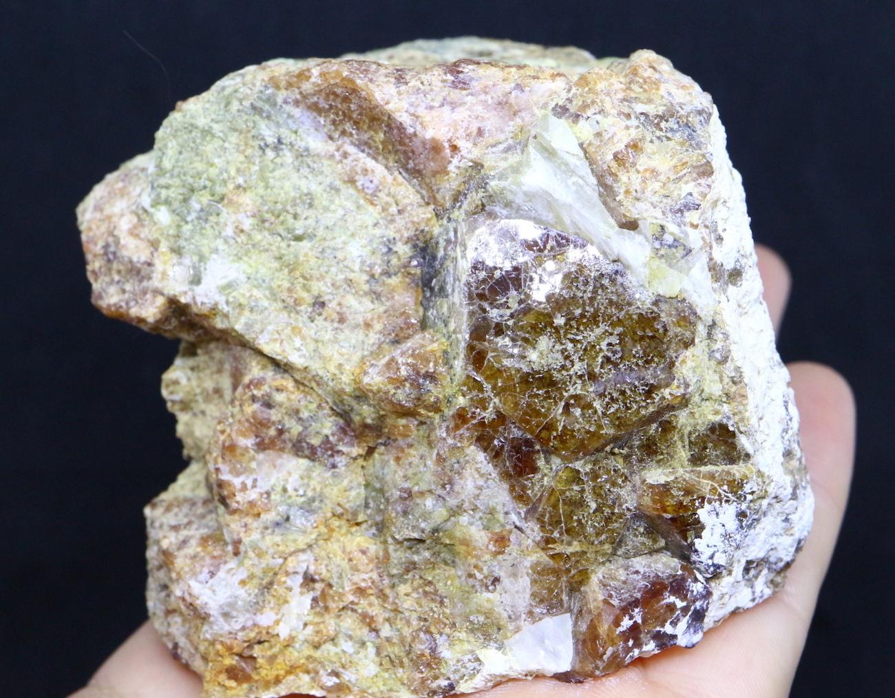 カリフォルニア産 グロッシュラーガーネット 408,7g GN032 原石 鉱物 天然石 パワーストーン