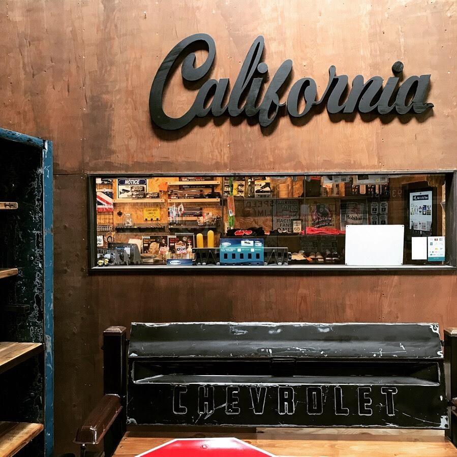 ビッグサイズ!California BIG SIGN リビングやガレージにいかがですか?