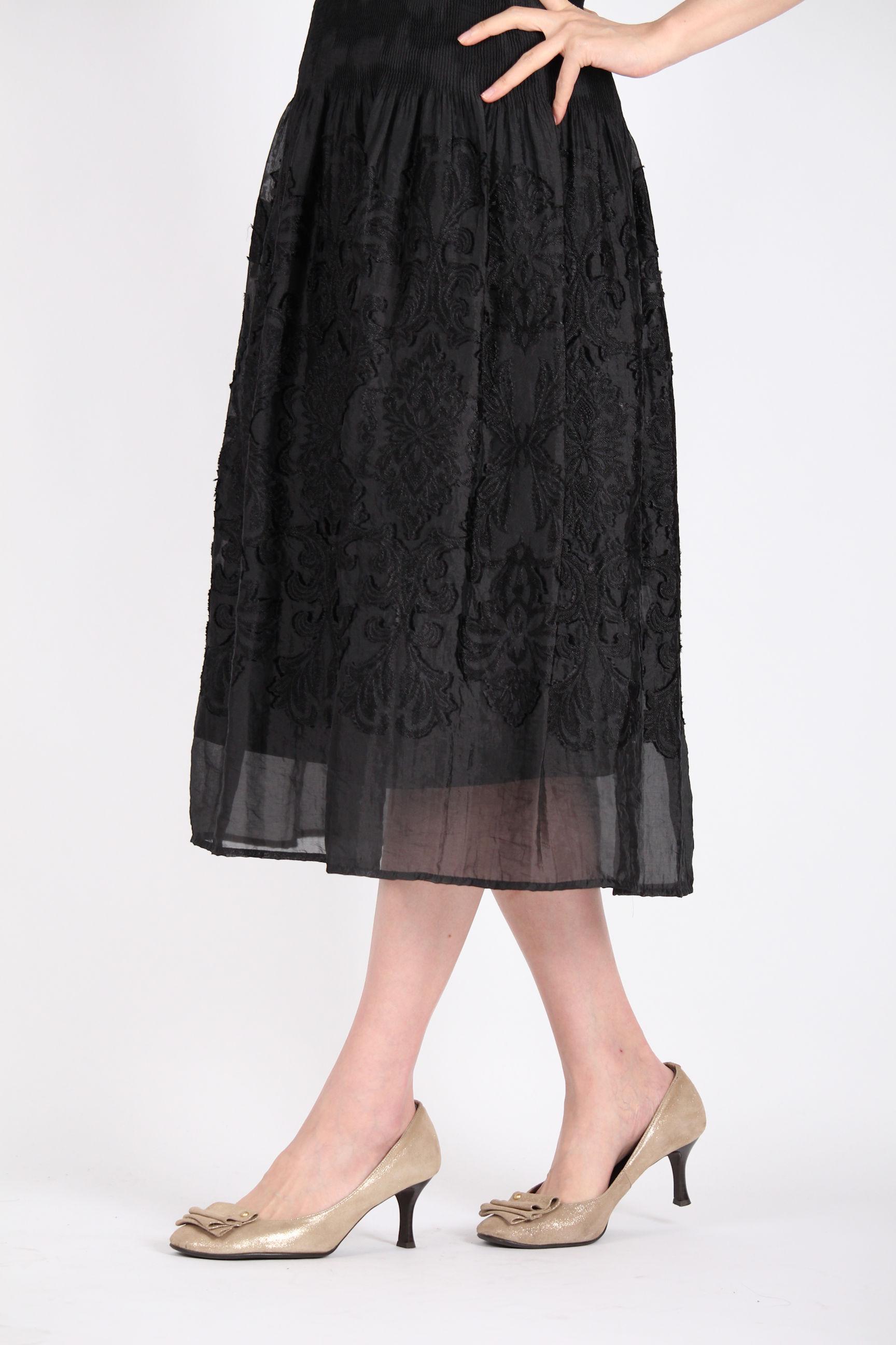 黒シフォンスカート