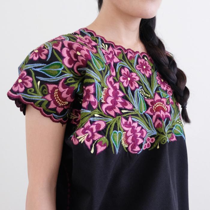シナカンタンの花刺繍ブラウス /262/ MEXICO メキシコ