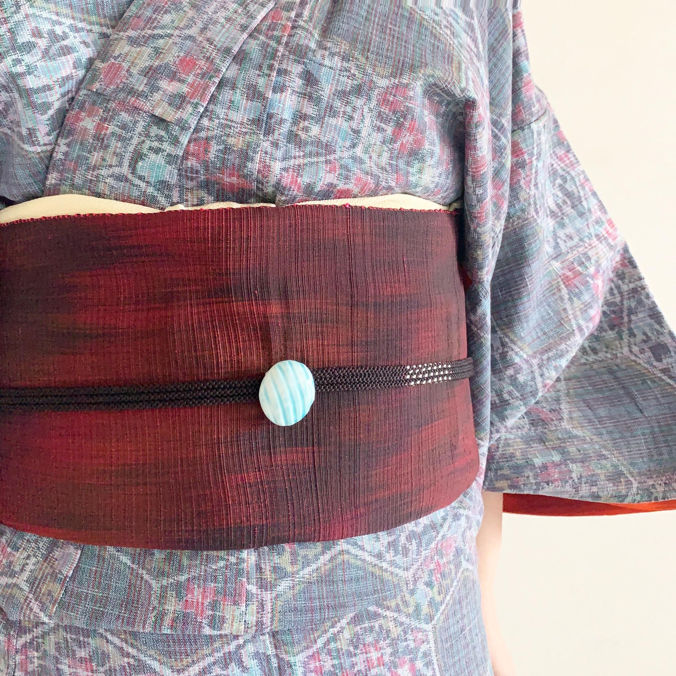 スジ丸帯留め(水色)