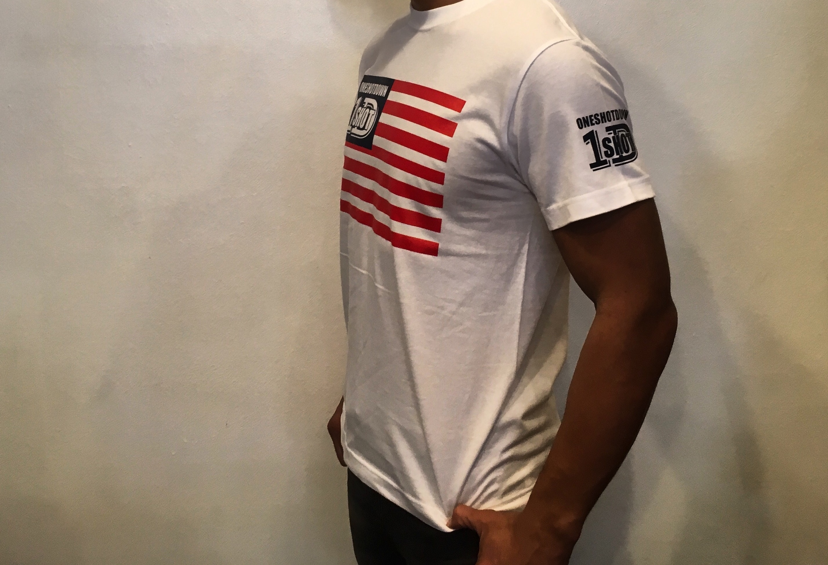 ONESHOTDOWN USA国旗デザインTシャツ - 画像2