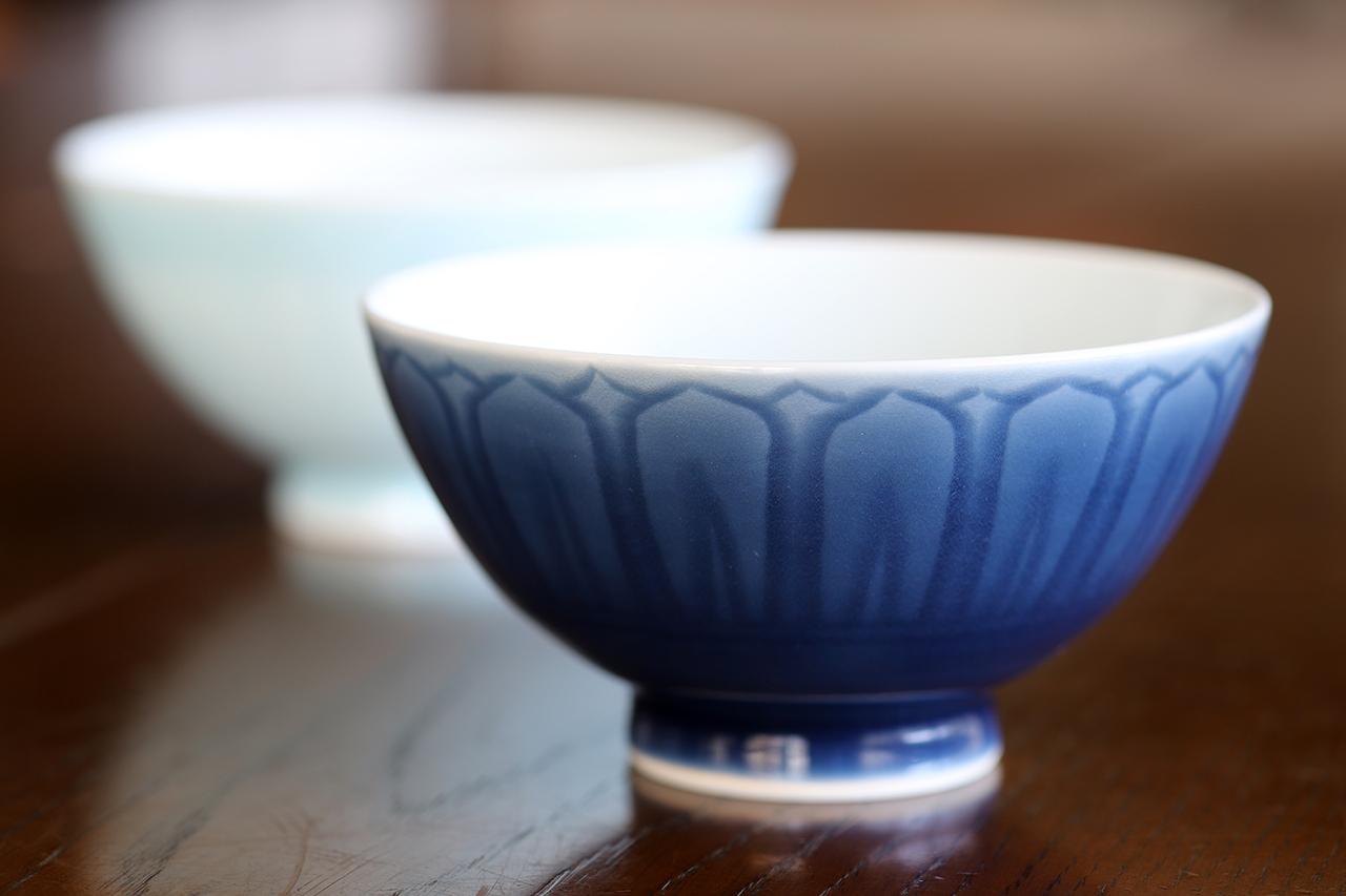 瑠璃陽刻文 飯碗 作:松尾重利・凌山窯