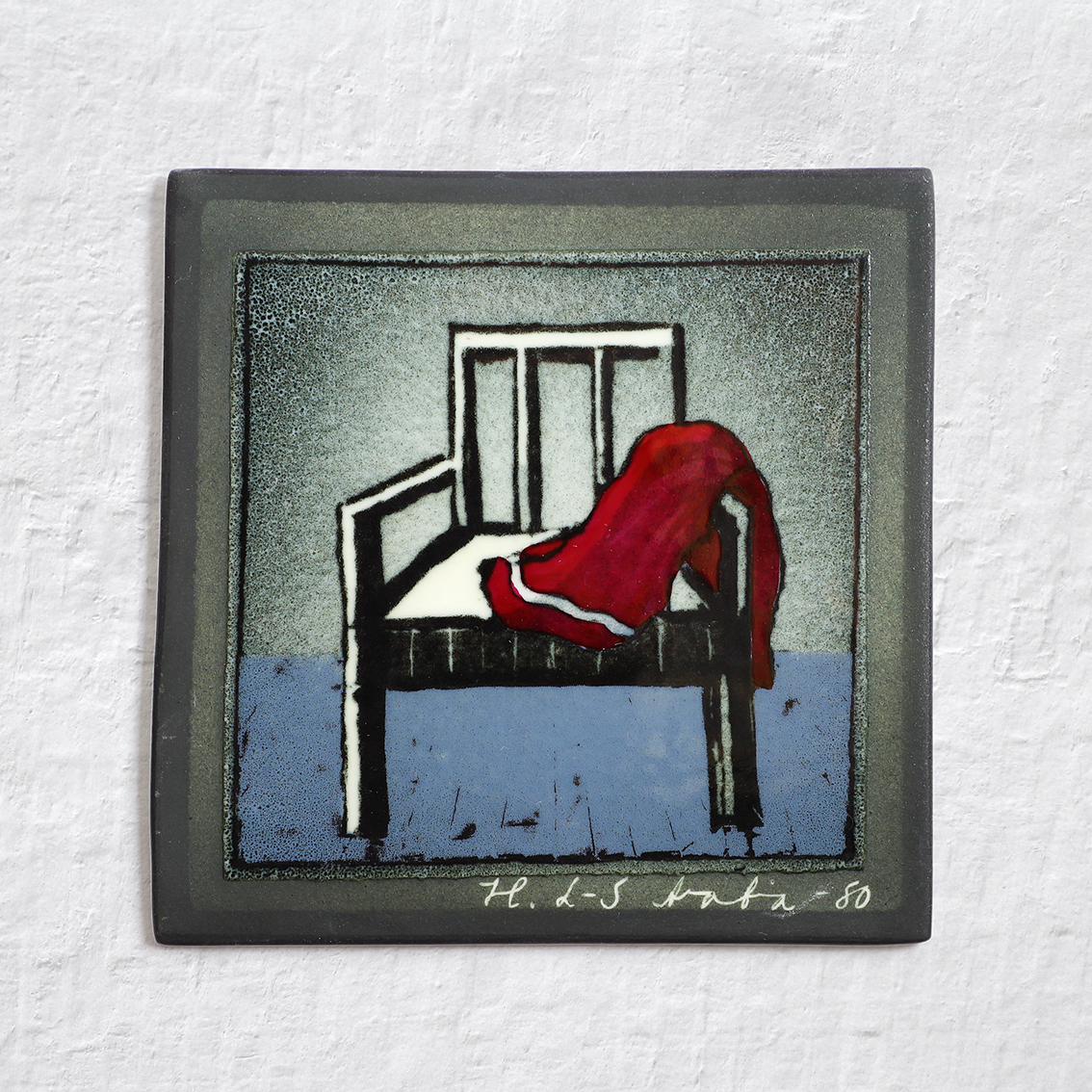 ARABIA アラビア Helja Liukko-Sundstrom ヘルヤ リウッコ スンドストロム 椅子と赤いマフラーの陶板 北欧ヴィンテージ