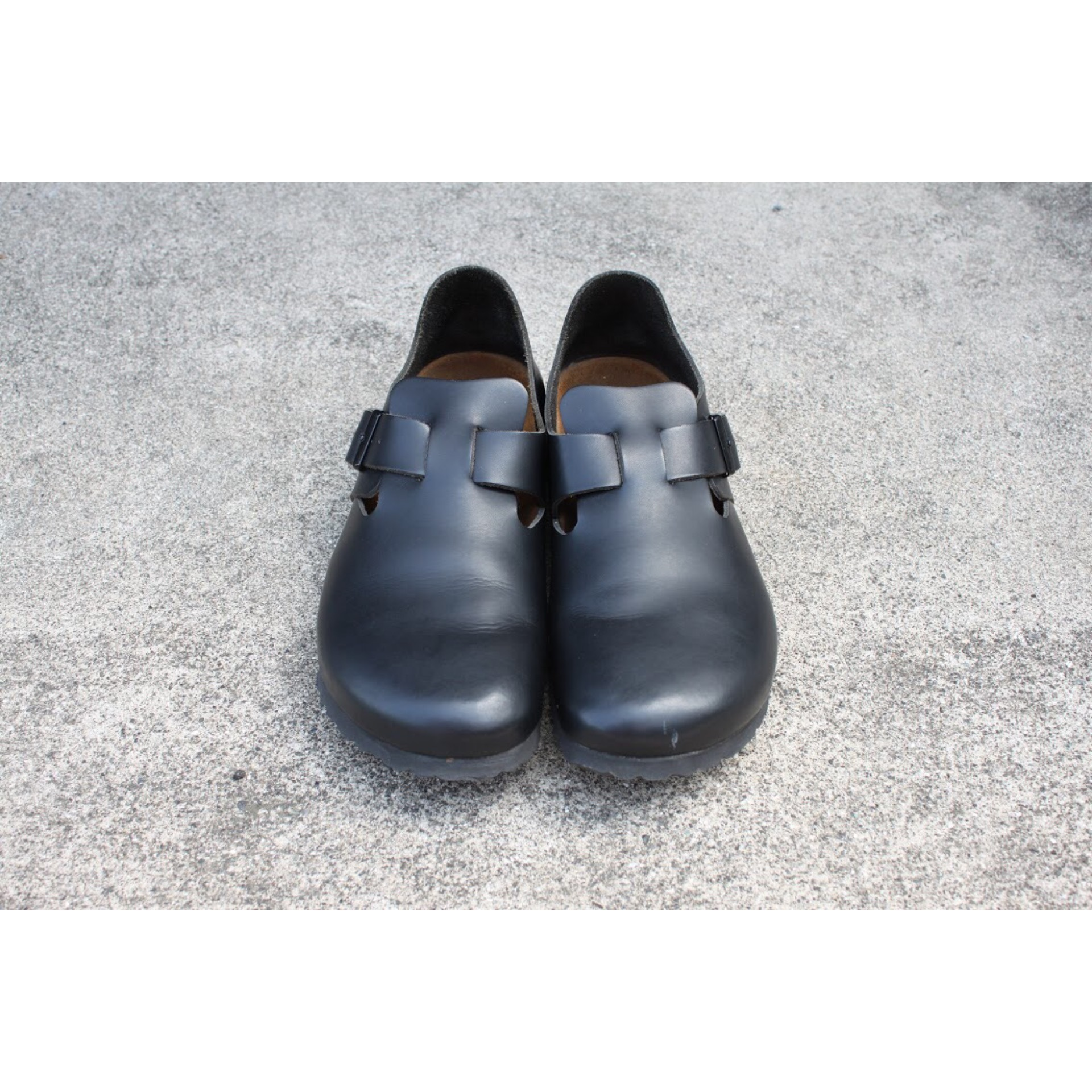 Vintage close-toe strap shoes by BIRKENSTOCK