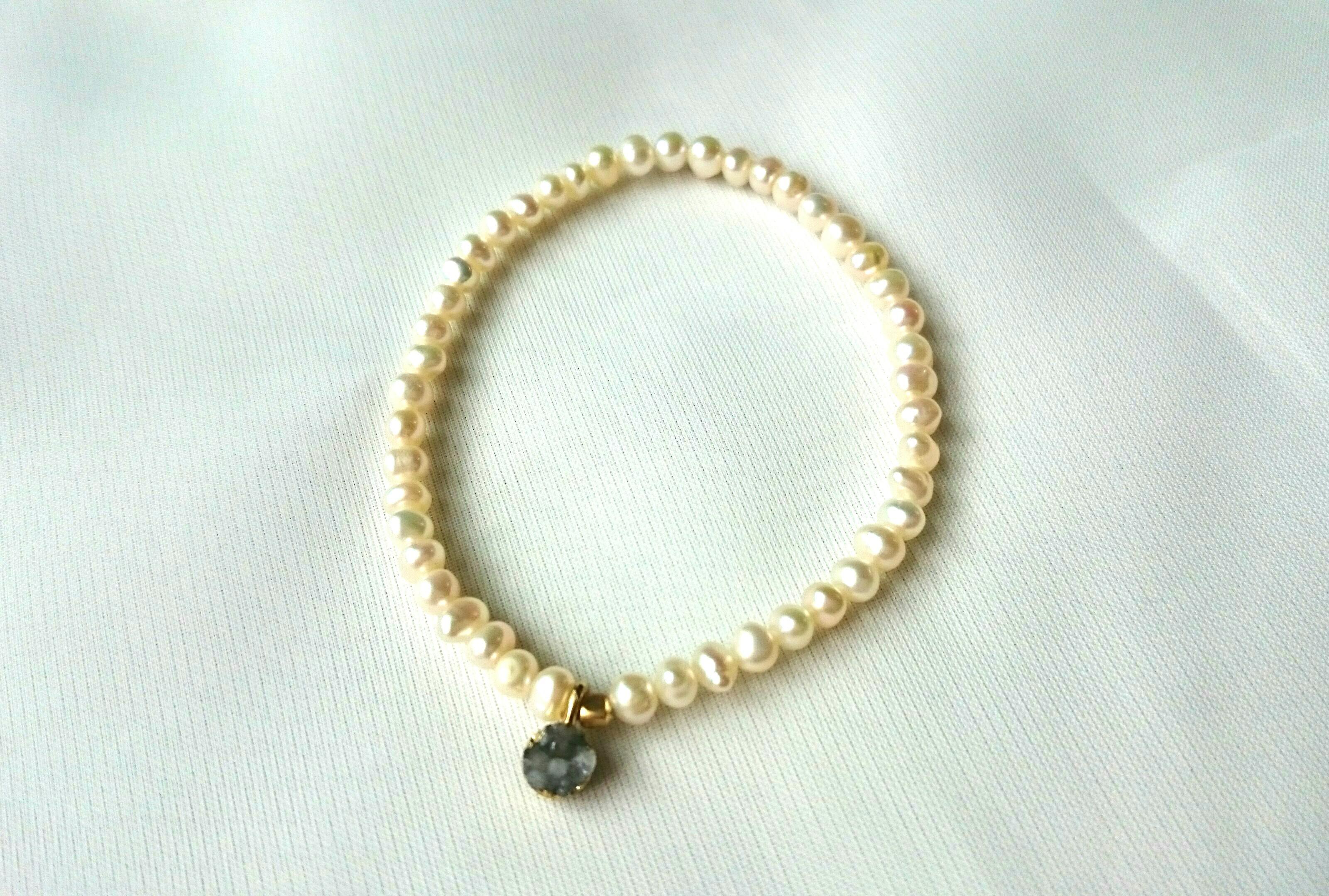 【再販】pearl bracelet