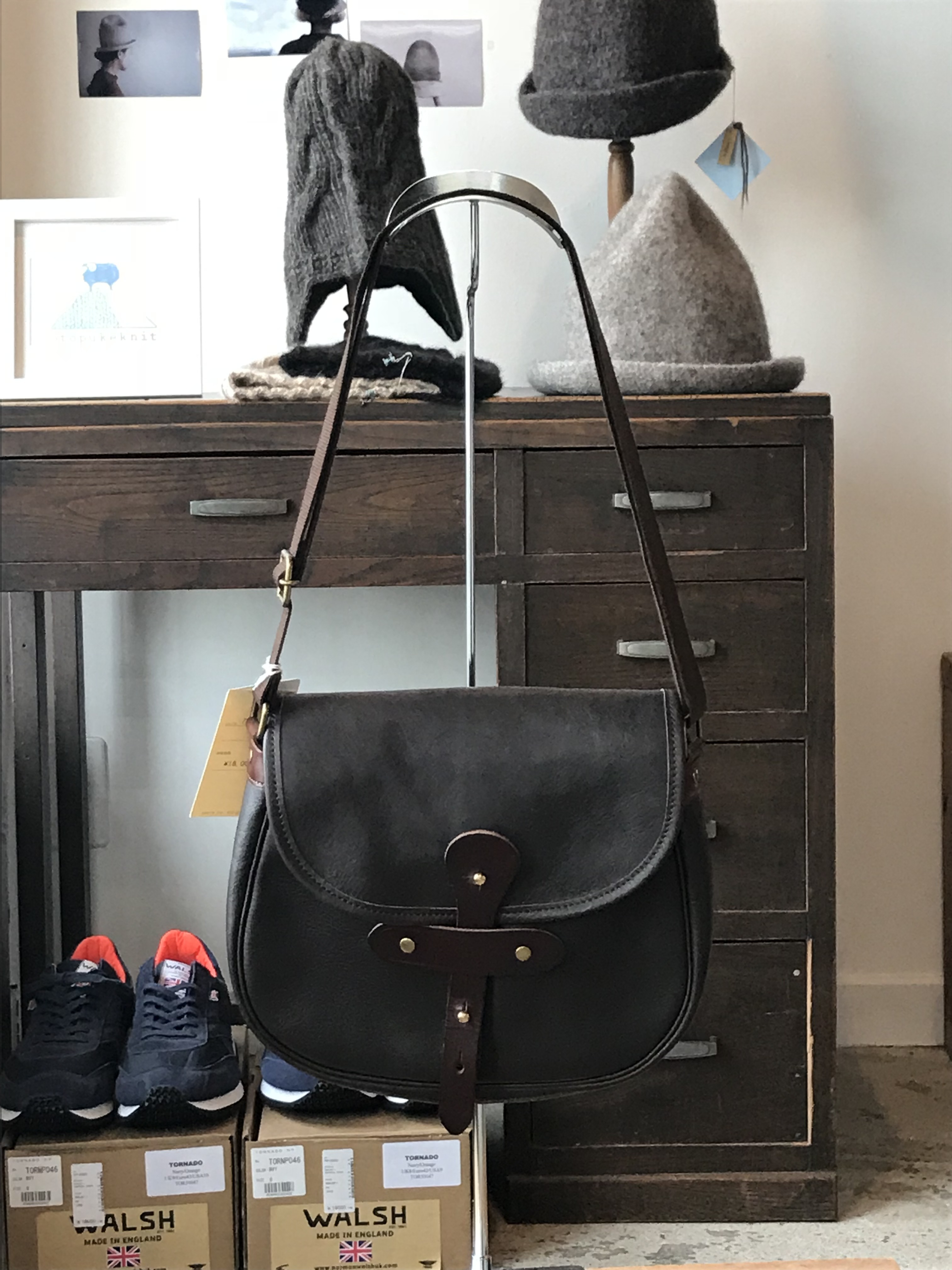 suolo(スオーロ) GRAB leather CHOCO