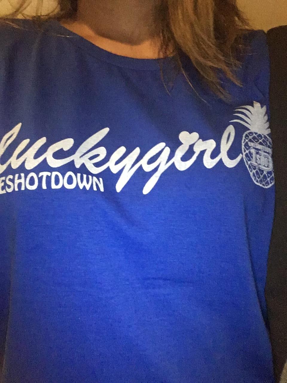 "ONESHOTDOWN ガールズ  ""ラッキーガール"" Tシャツ - 画像5"