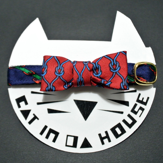 cat's collar vintage printed fabric  905