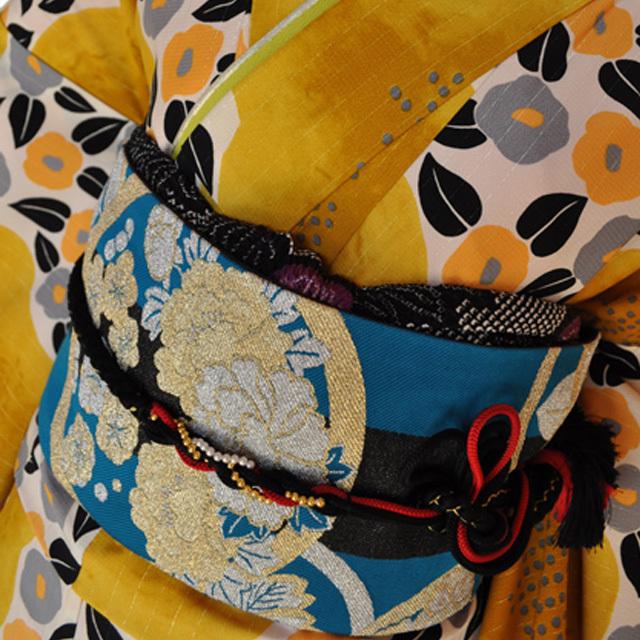 レンタル着物315-1「パーティーきものレンタル」和風館濃い上品な黄色に小さな可愛い椿の柄【往復送料無料】 - 画像1