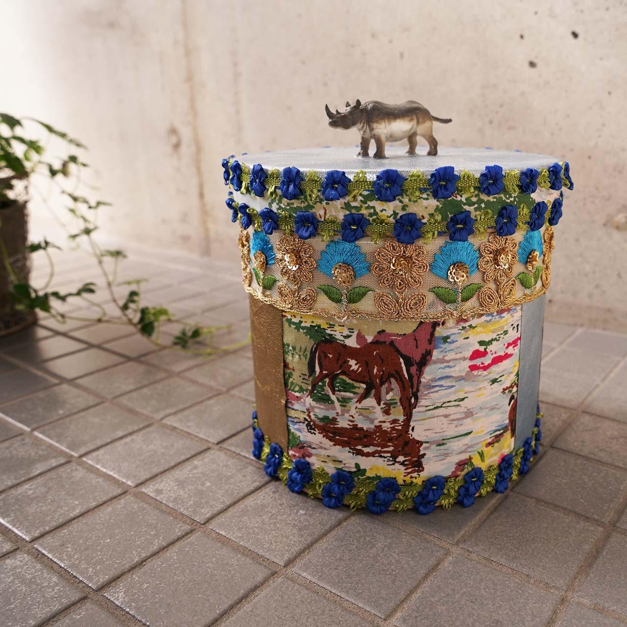 hug2フードボックスfood box(rhinoceros)