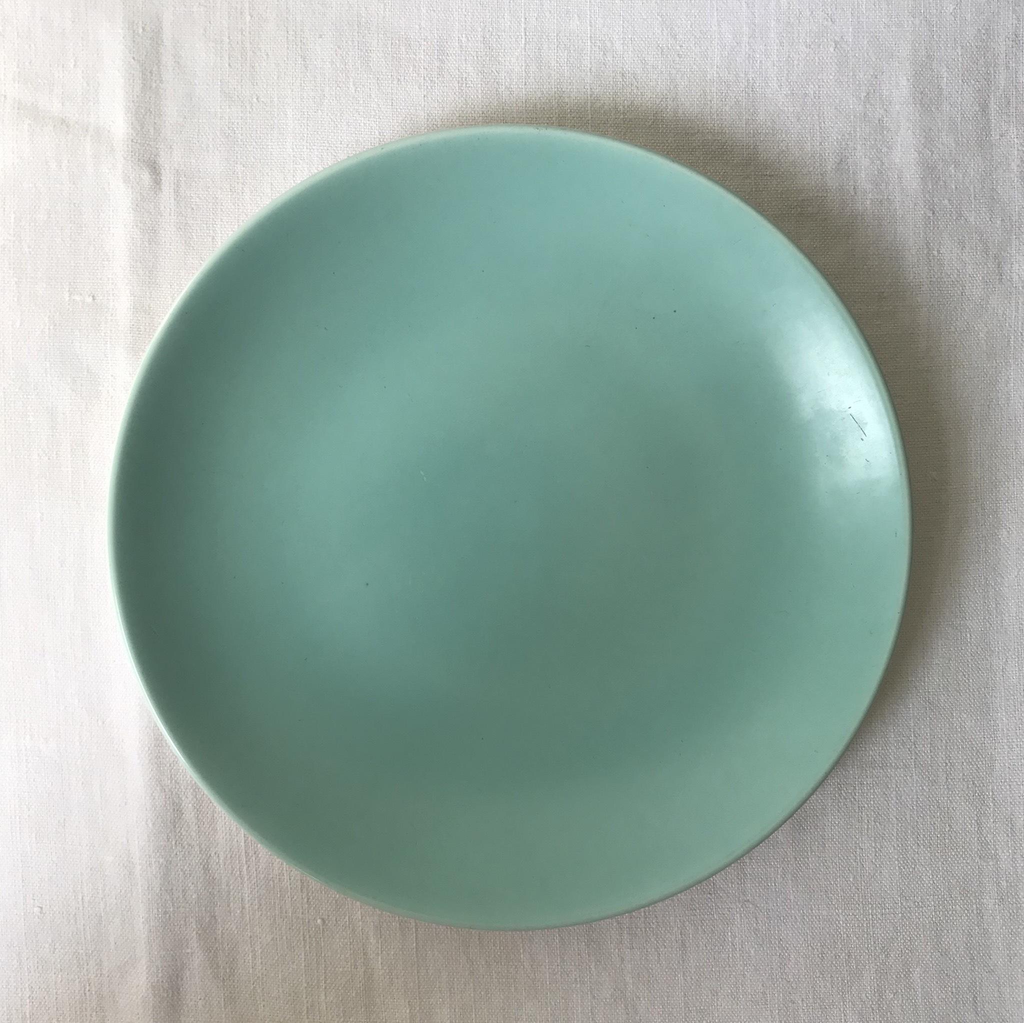 プールのグリーンのお皿