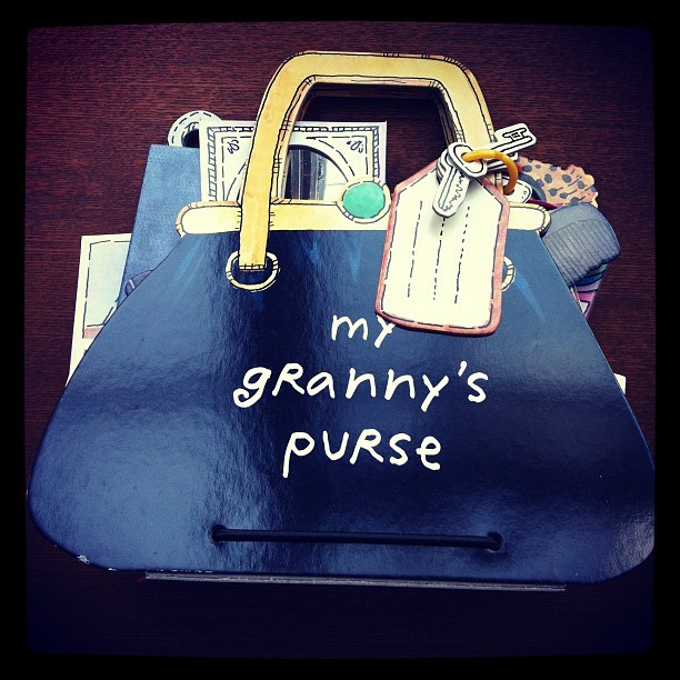 絵本「My Granny's Purse」 - 画像1