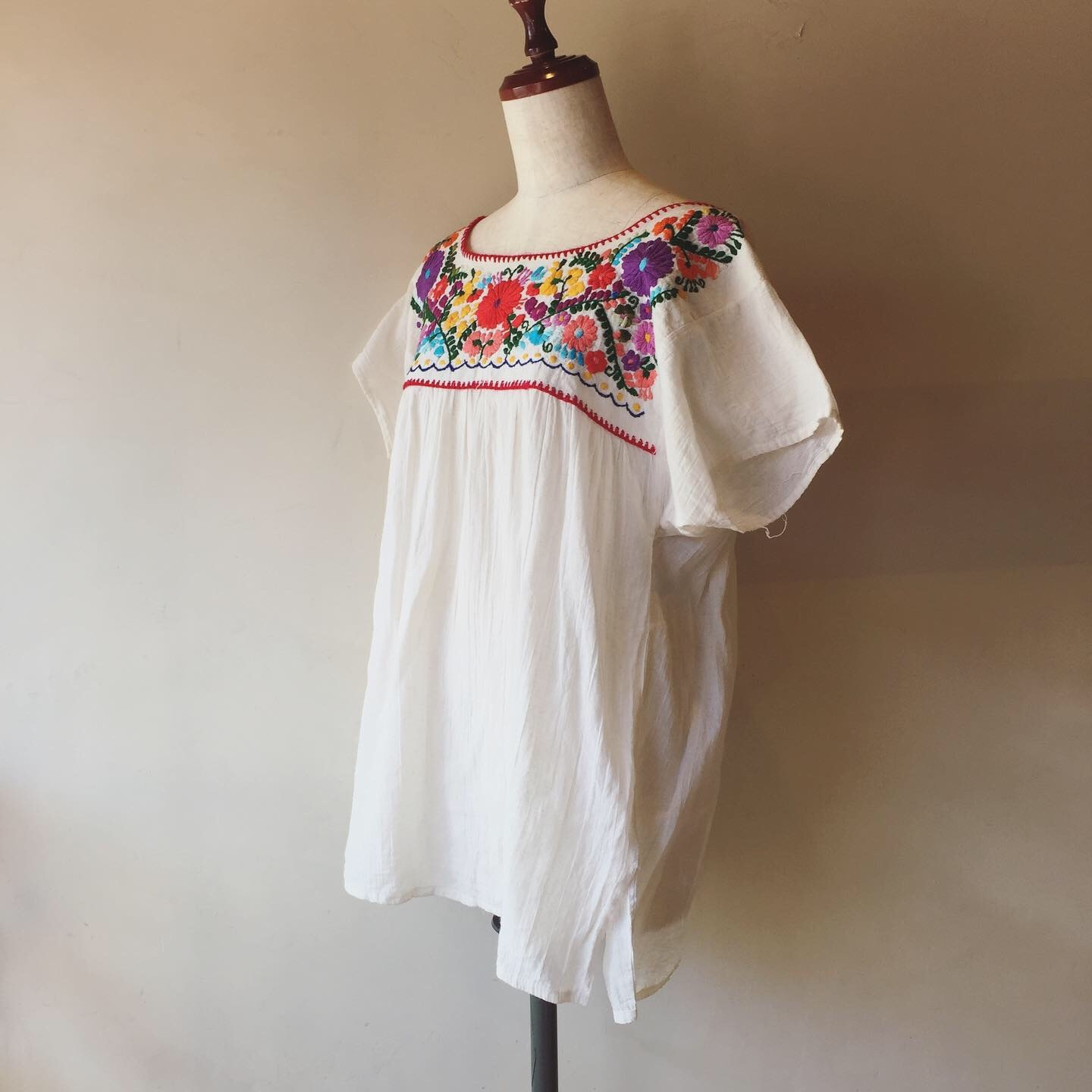 vintage  embroidery tops