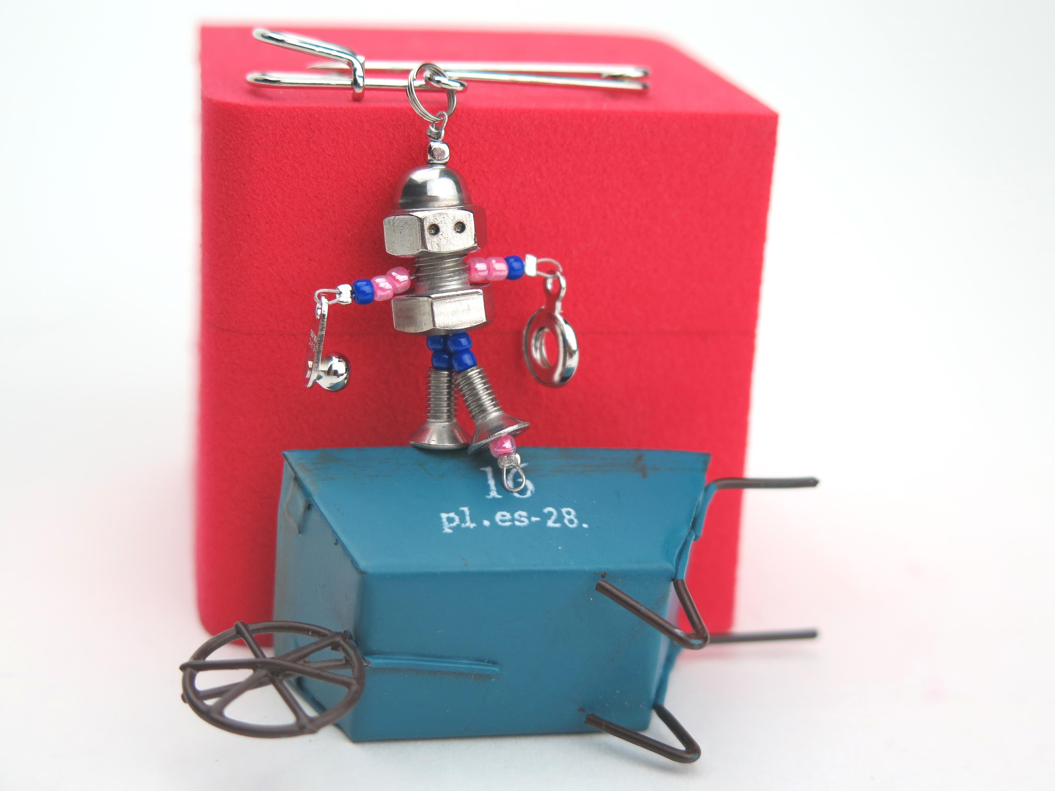 esstro robot pink blue ピンクブルー