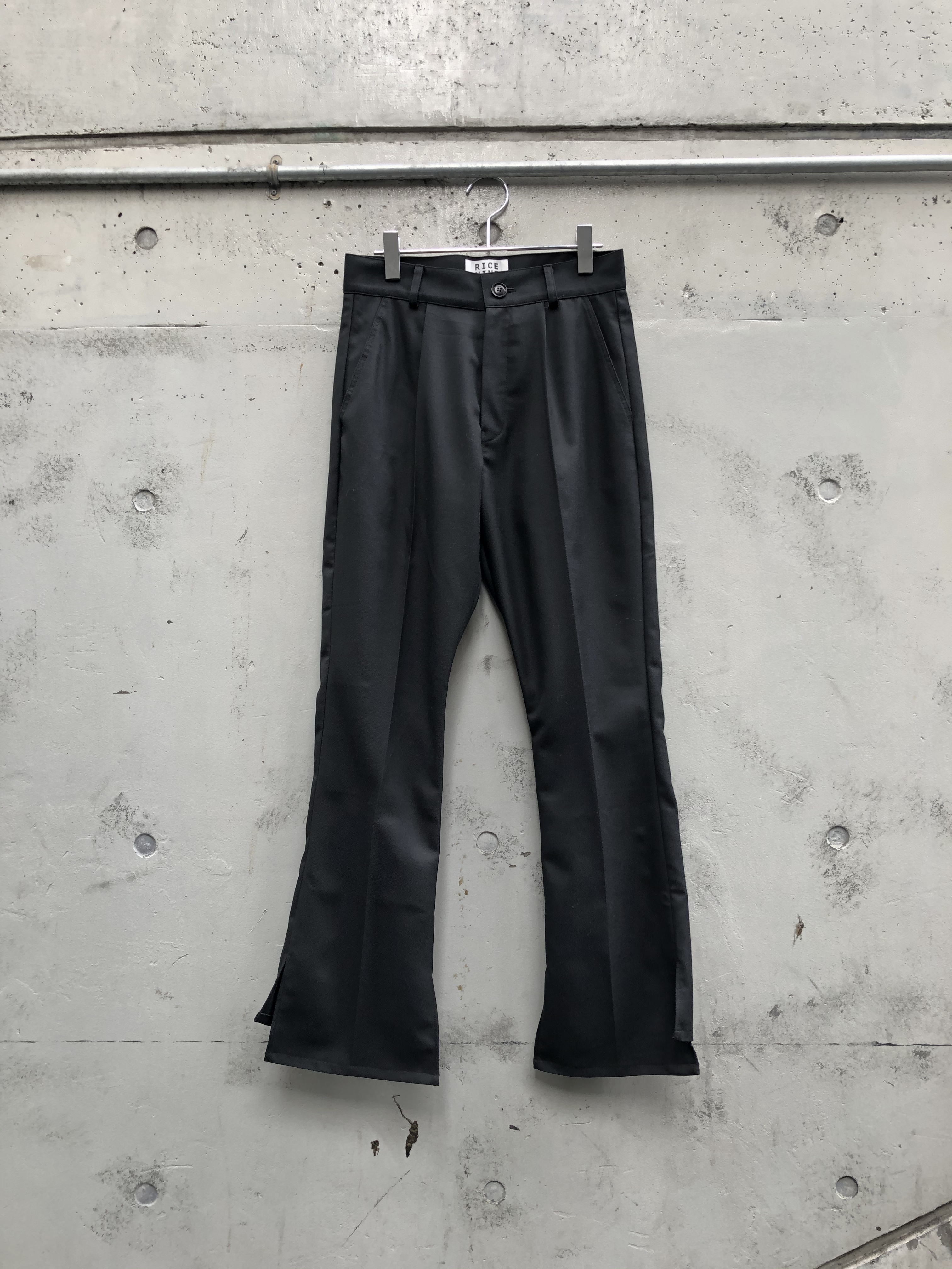 『RICE NINE TEN』THERMOLIGHT  COVER UP TROUSERS / black