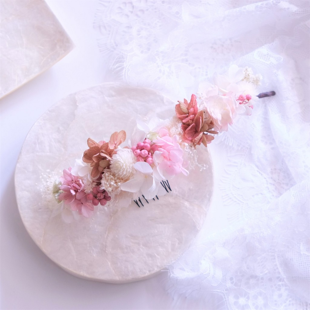 〖 紫陽花とスモールフラワーのヘッドドレス・ピンクホワイト 〗プリザーブドフラワーの髪飾り。フラワーボンネ・ハーフ花冠