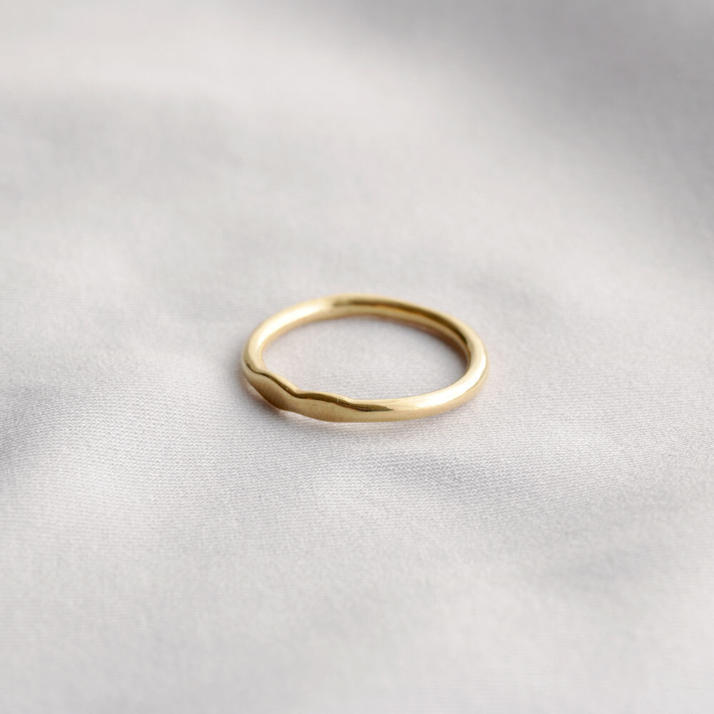 wave / ring (gold)