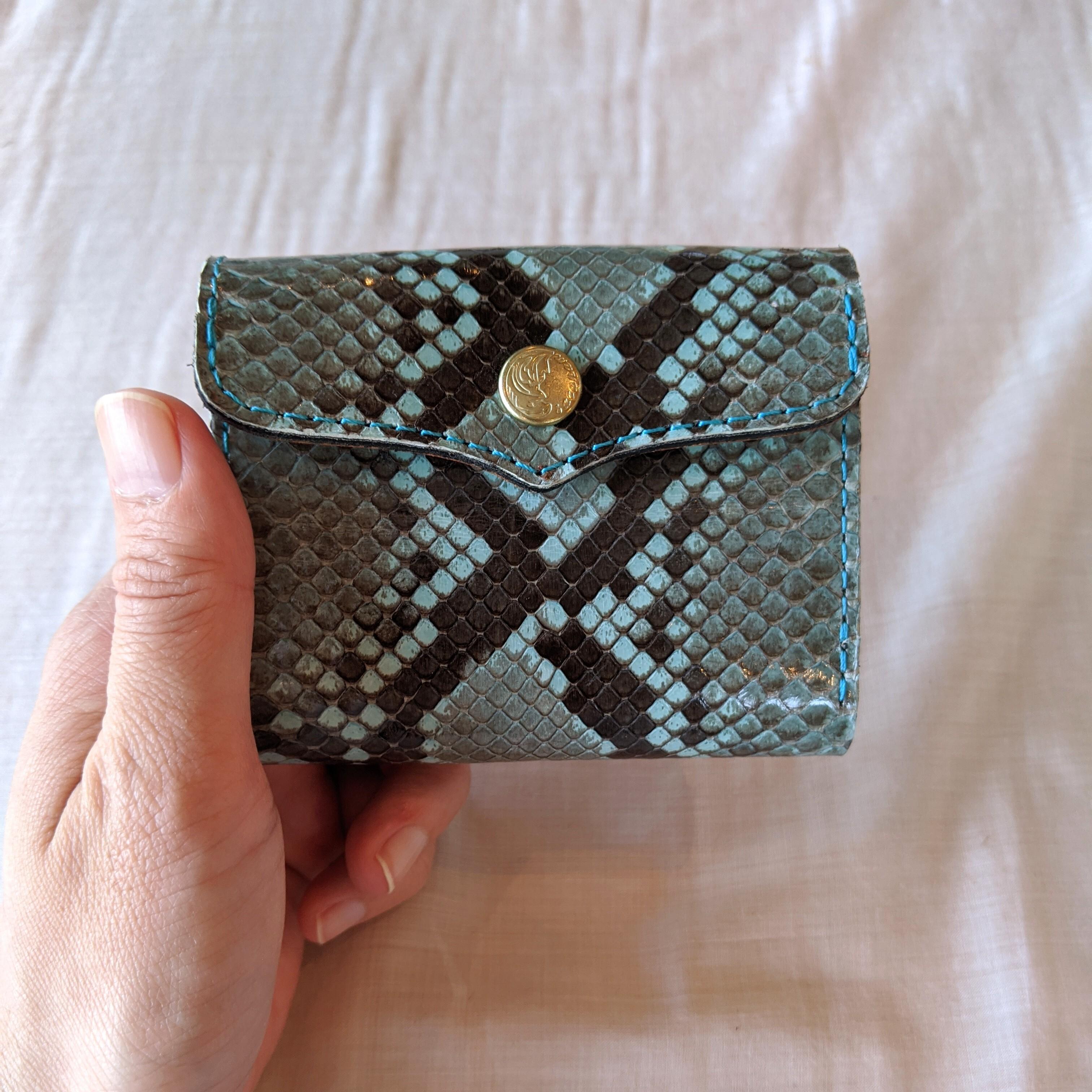 TURQUOISE【 saranam 】サラナン パイソンレザー 三つ折り財布 /python ミニ財布 ターコイズ