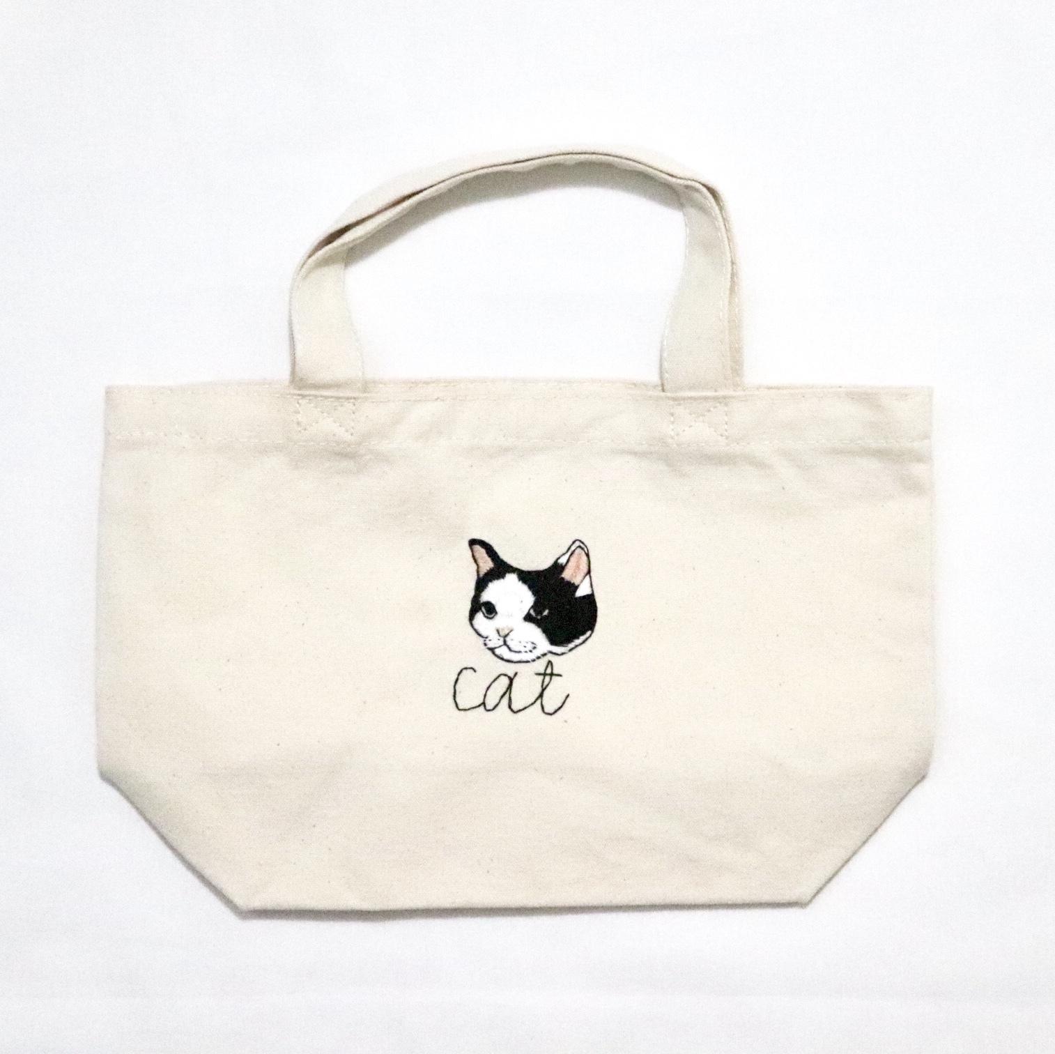 ハチワレ猫の刺繍帆布バッグ