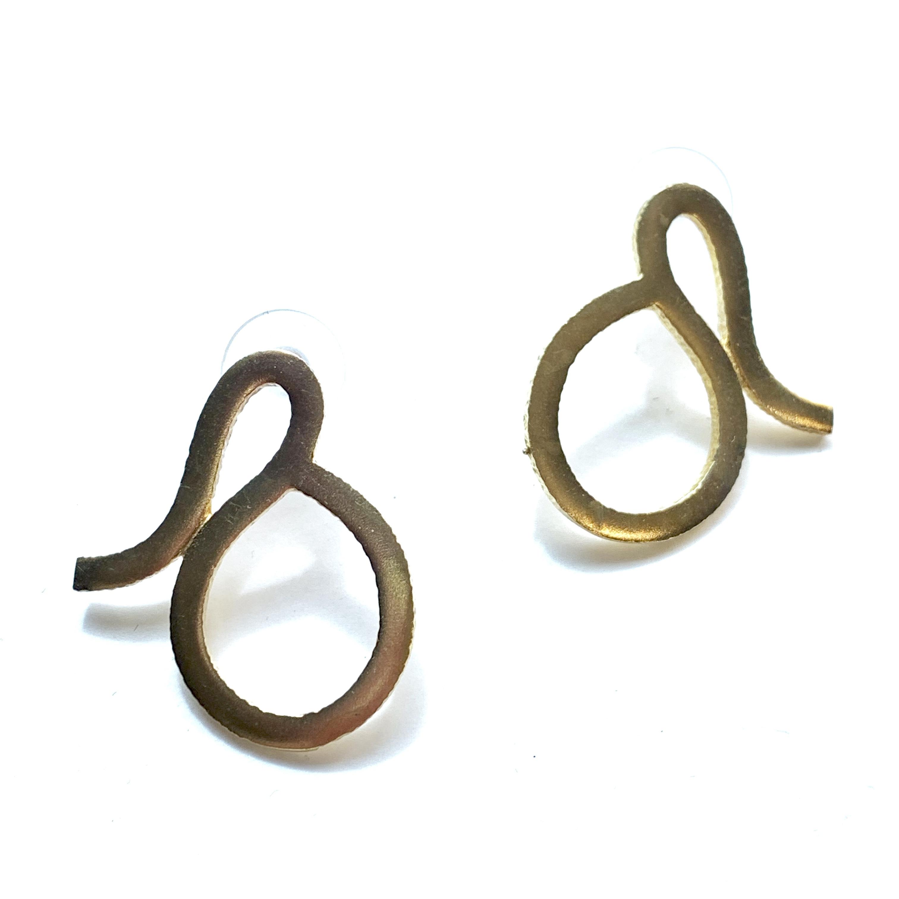 knot shape pierced earrings B-042