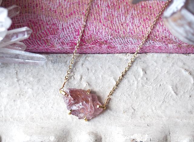 [一点物]原石のスピネルのネックレス