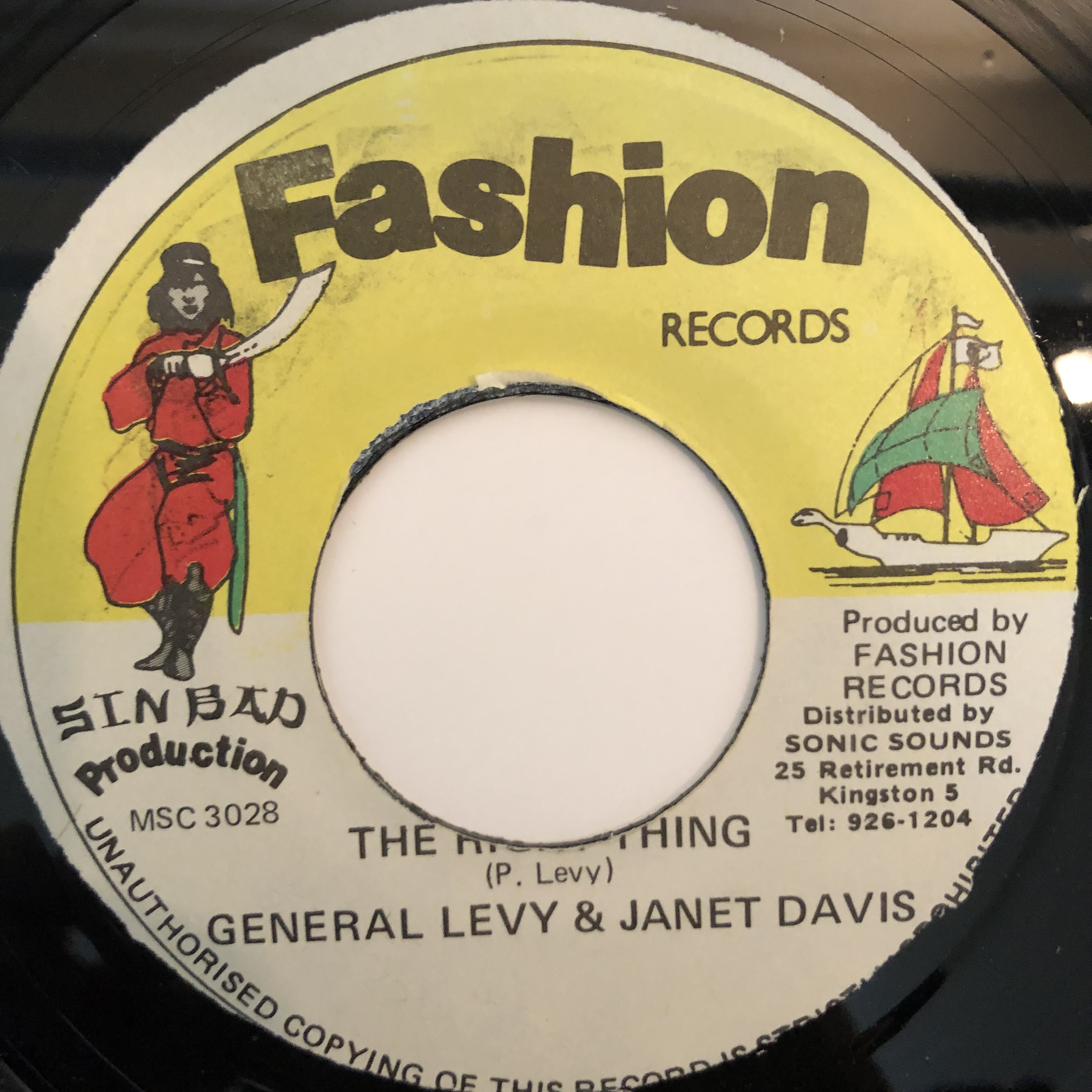 General Levy, Janet Davis - The Right Thing【7-20321】
