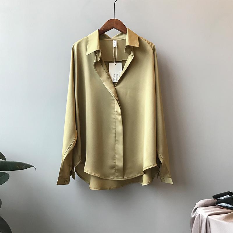 シルクサテンVネックシャツ【silk satin V neck shirt】