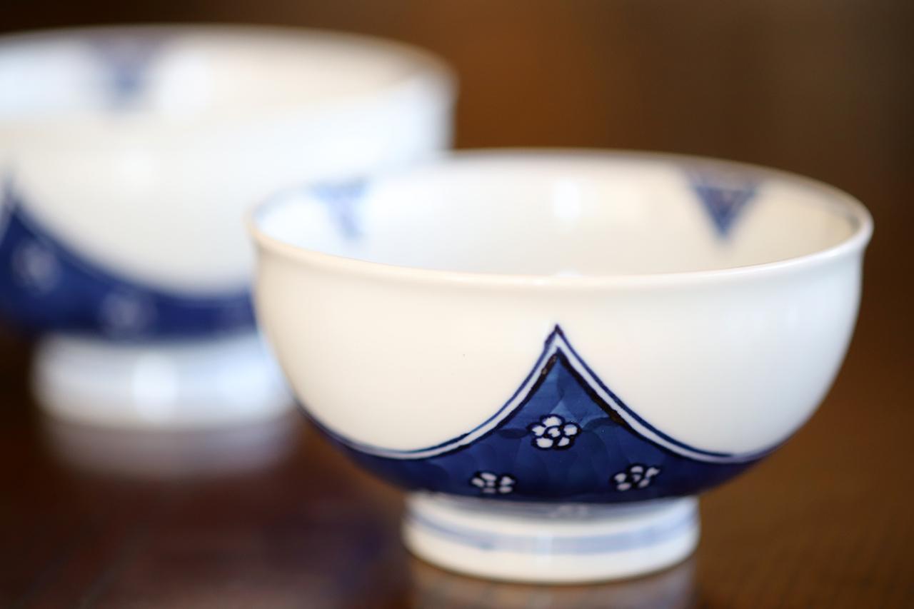 梅四方濃 飯碗(大)(小) 作:井手國博・与志郎窯(有田焼)