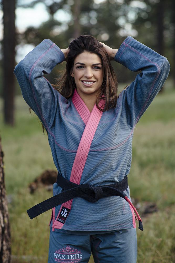 WAR TRIBE GEAR LIONESS グレー|女性用ブラジリアン柔術衣(柔術着)