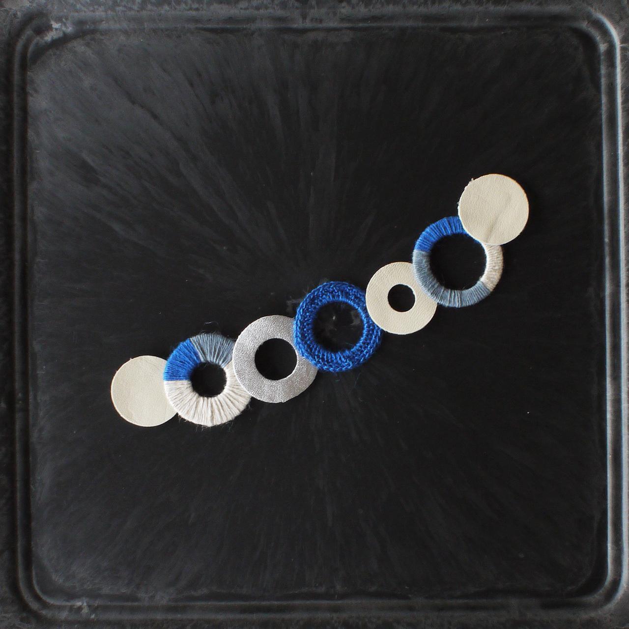 麻のブローチ 〈 NeckCircle 〉Blue