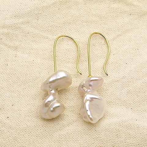 希少なバロック真珠(Freshwater pearls)ピアス OPi-041