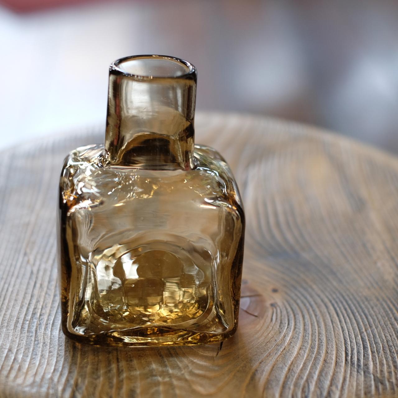 石川硝子工藝舎 角小瓶(薄茶色) 石川昌浩