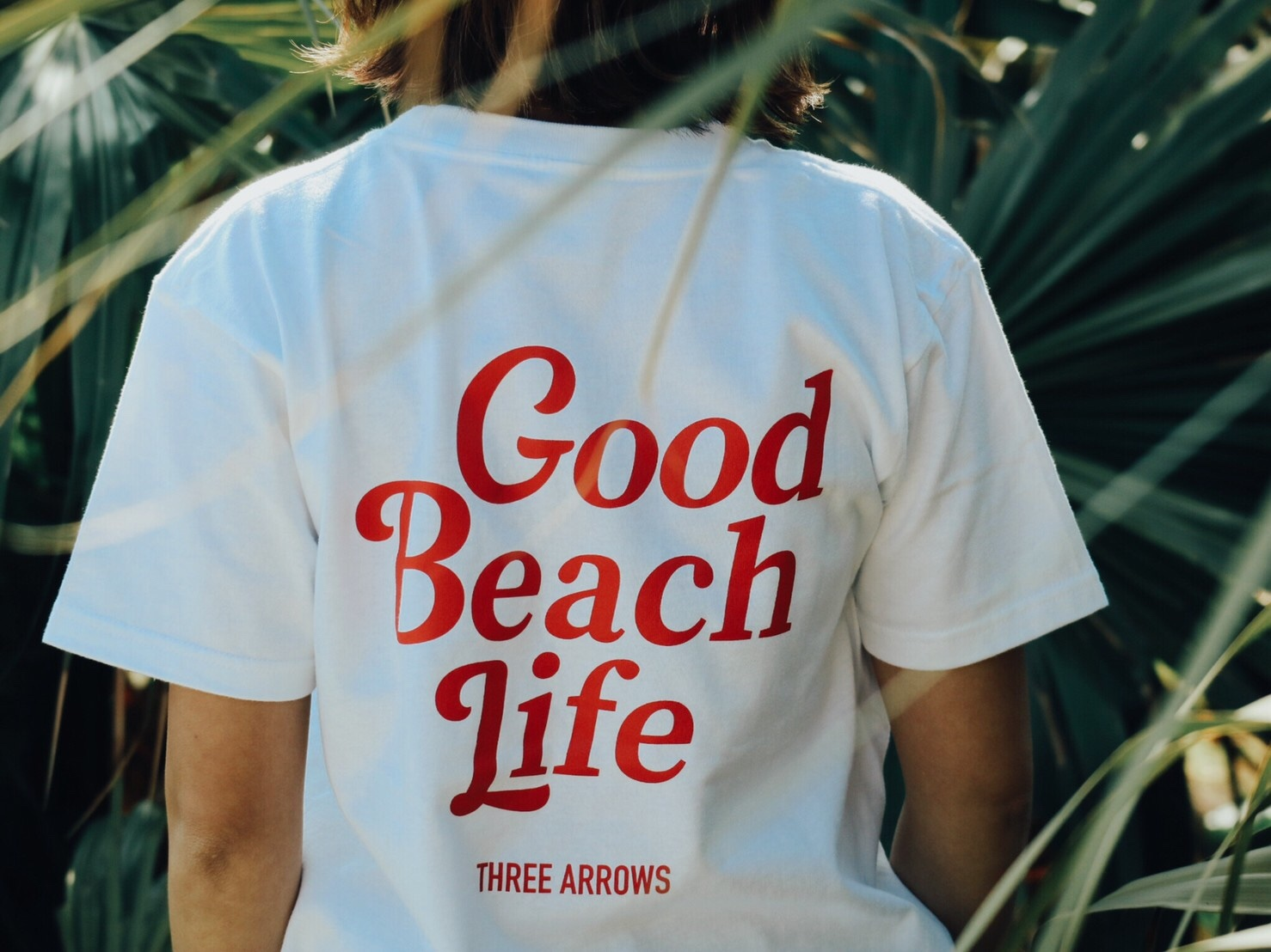Good Beach Life Tシャツ(white ×  red)