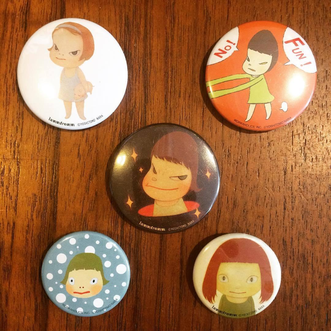 奈良美智 缶バッジ 5個セット - 画像1