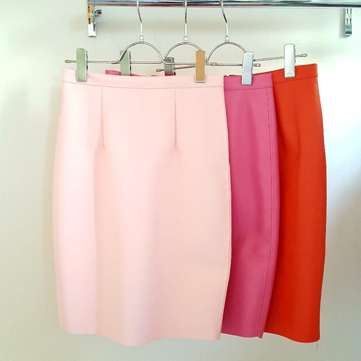 カラフルレザータイトスカート