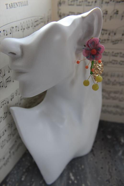 染め花と天然石のカラフルレトロイヤリング