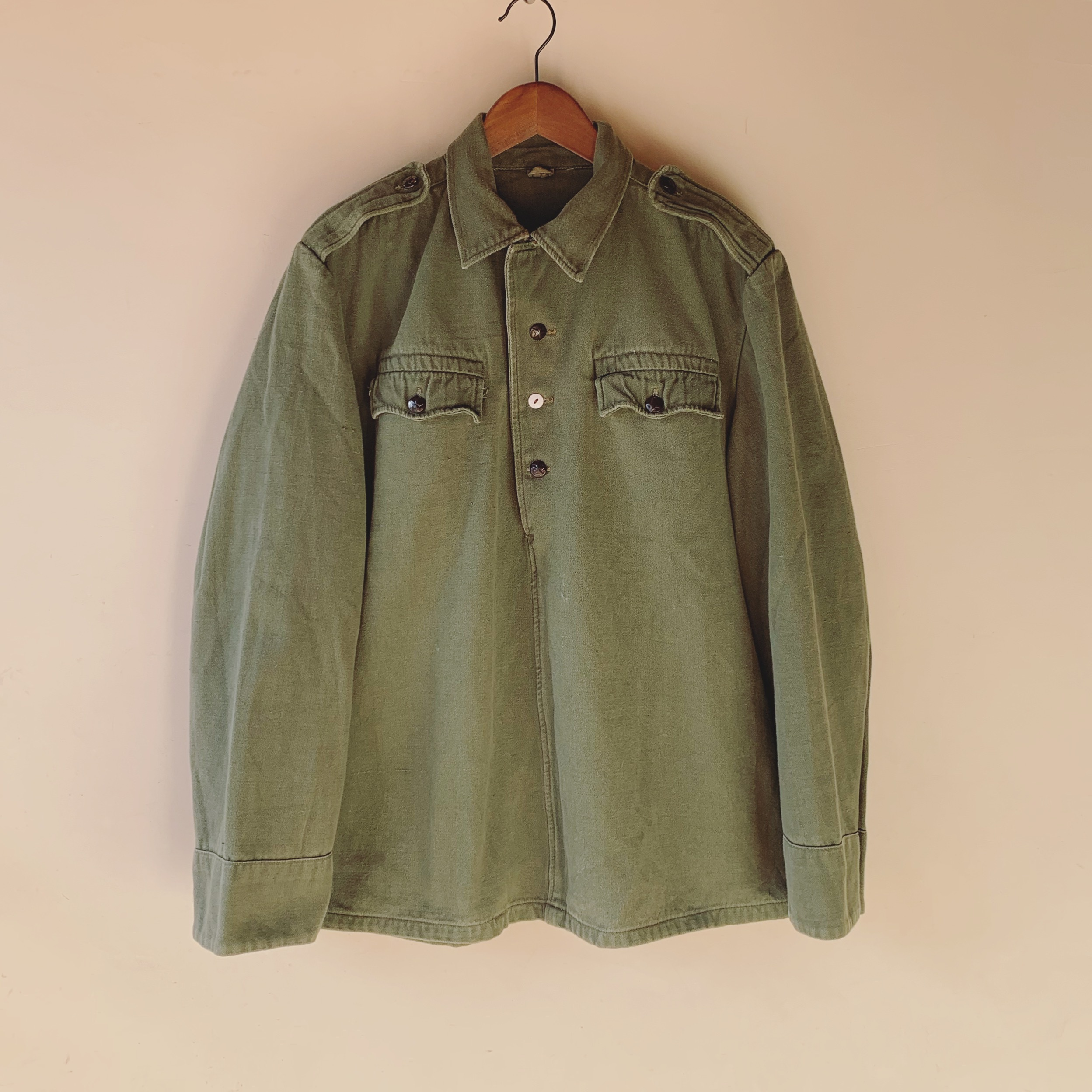 【SALE】vintage military half button tops