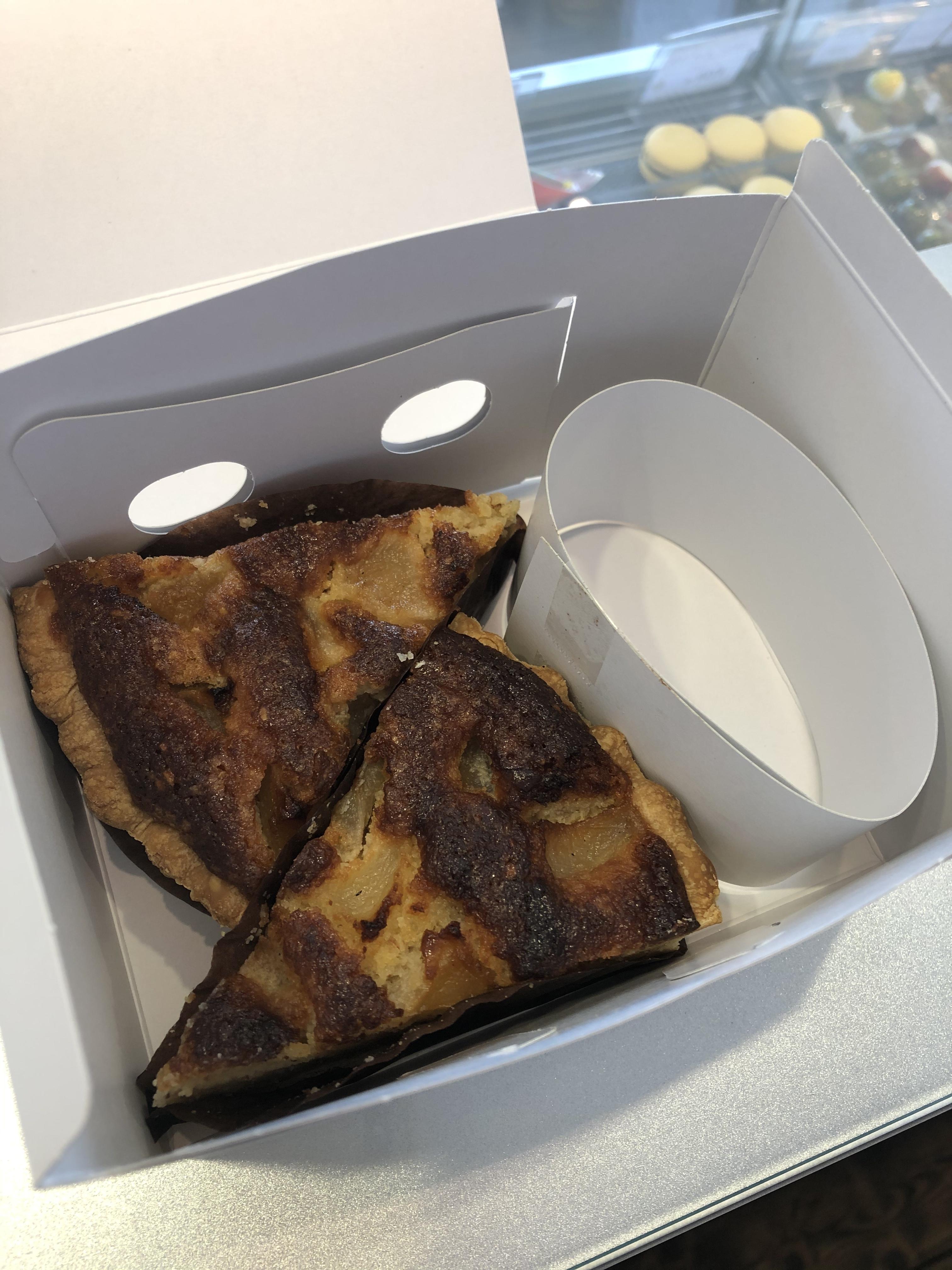 タルト2切セット:洋梨ラベンダーのアーモンドタルト