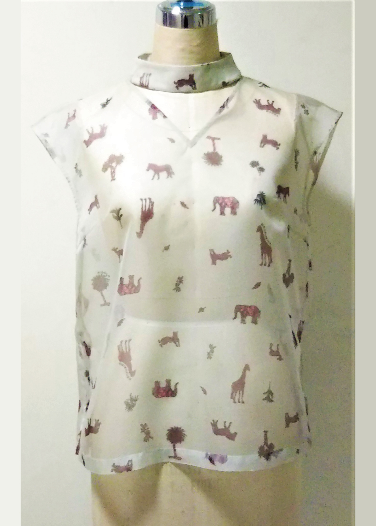 ANIMAL HIGH&V-NECK BLOUSE