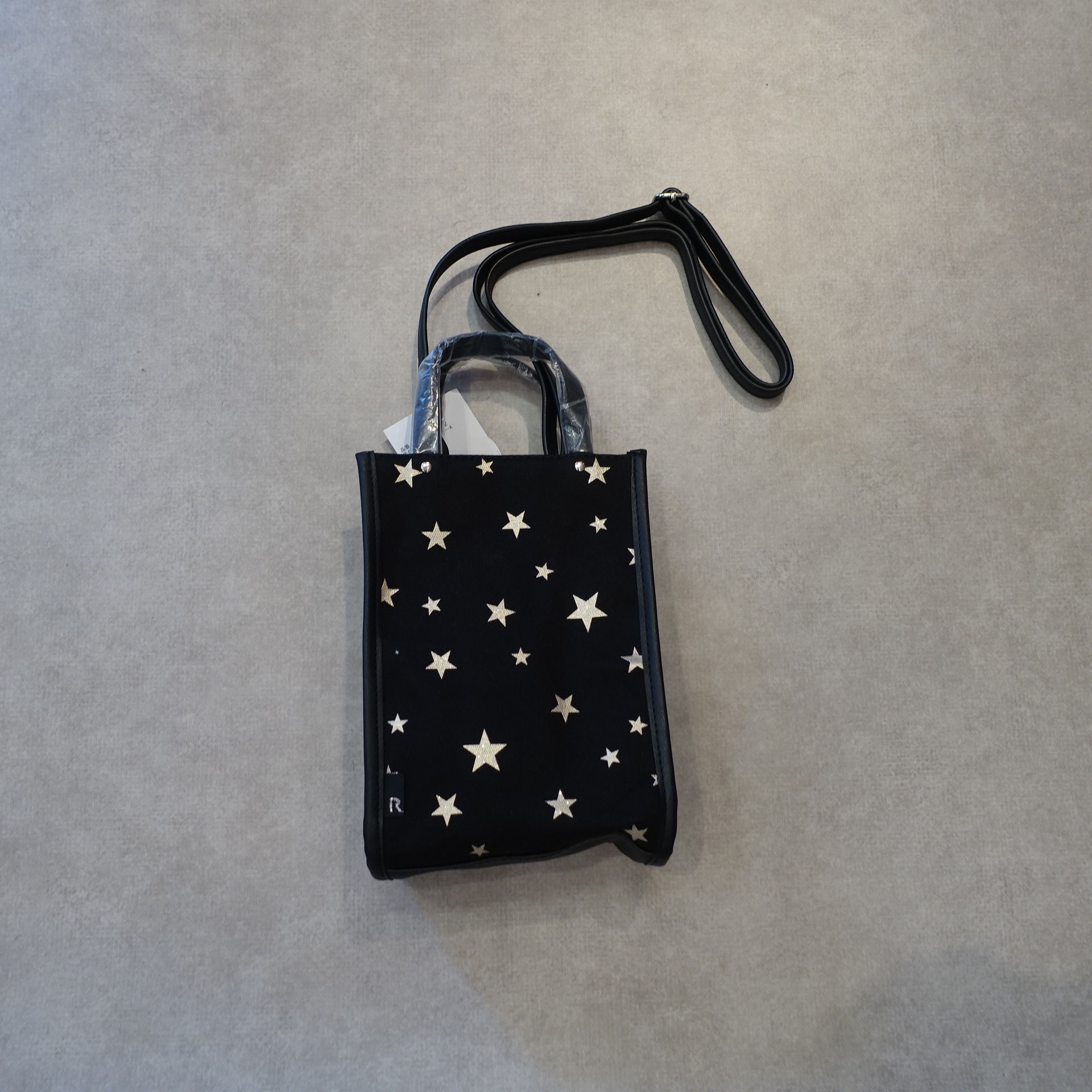 21072  星ポーチ/ブラック