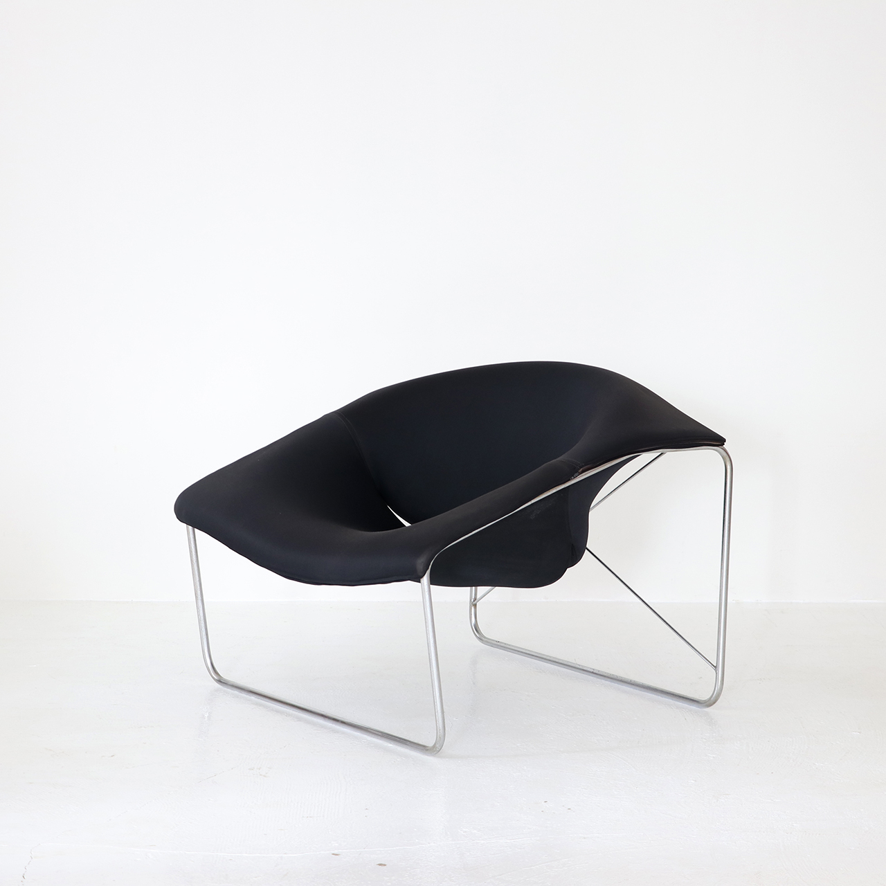 Cubic Chair / Olivier Mourgue / airborne