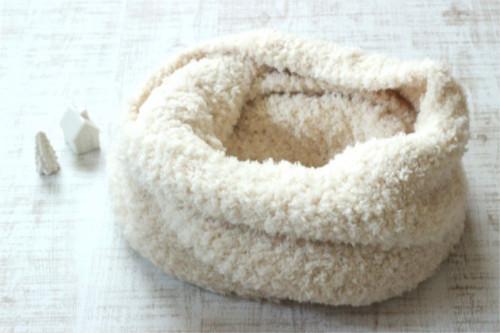 手編みのスヌード オフホワイト/sakura 型番: Z-16白