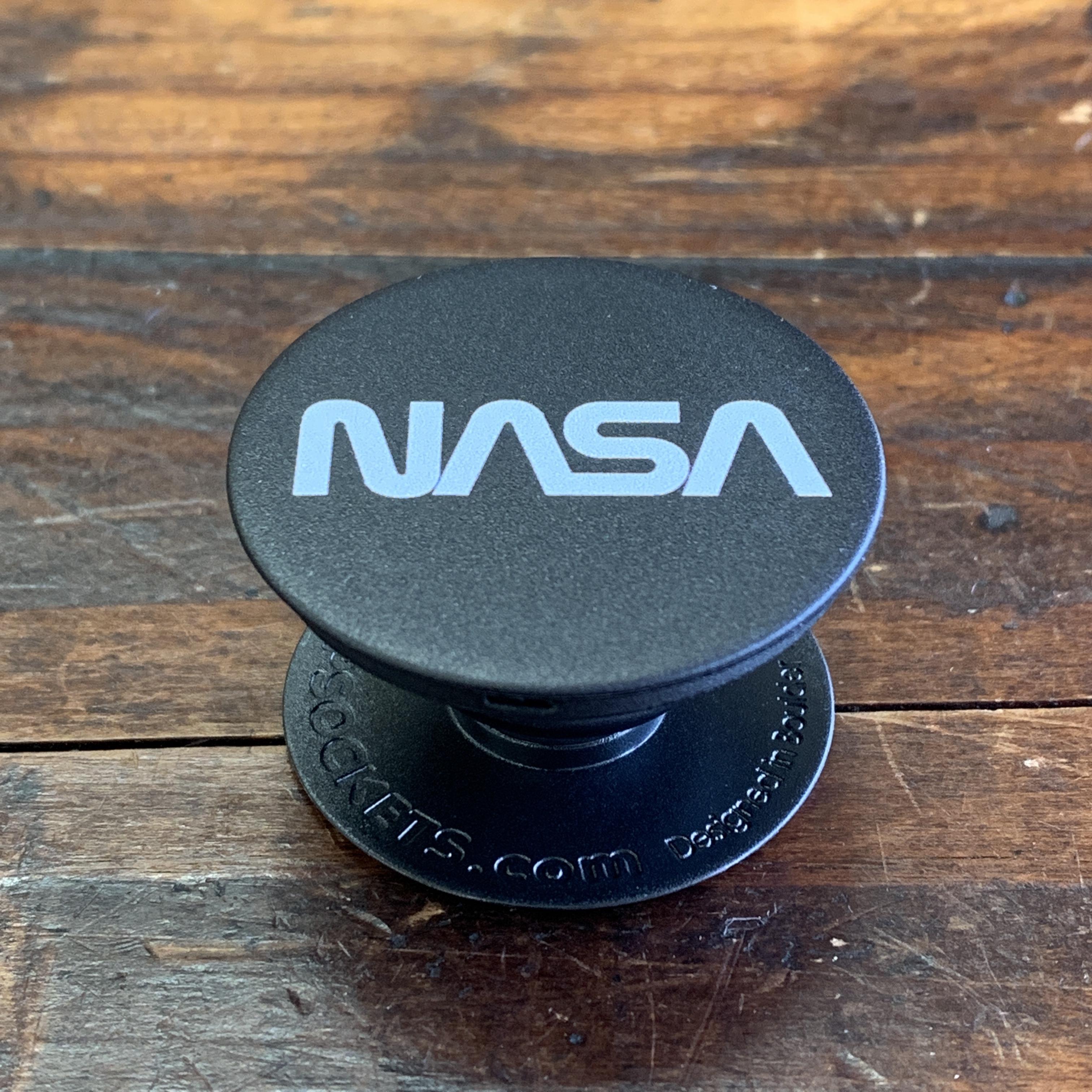 NASA公認(アメリカ航空宇宙局)・Popsockets・ポップソケット・グリップ・ロゴタイプ(ワーム)
