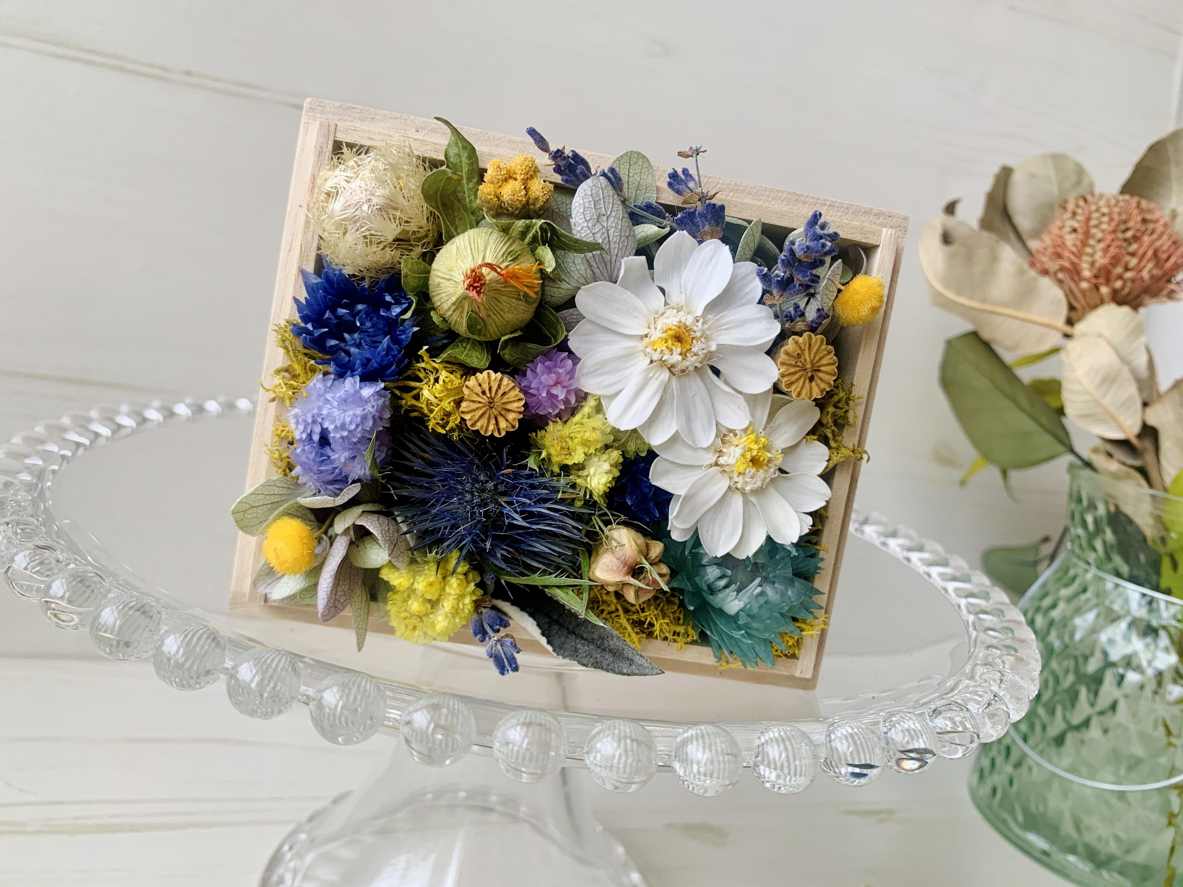 母の日・ギフト・ドライフラワー・桐箱花ナチュラル