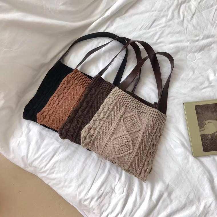 【送料無料】ほっこり 可愛い ♡ ケーブル編み ニット 肩掛け ショルダー バッグ