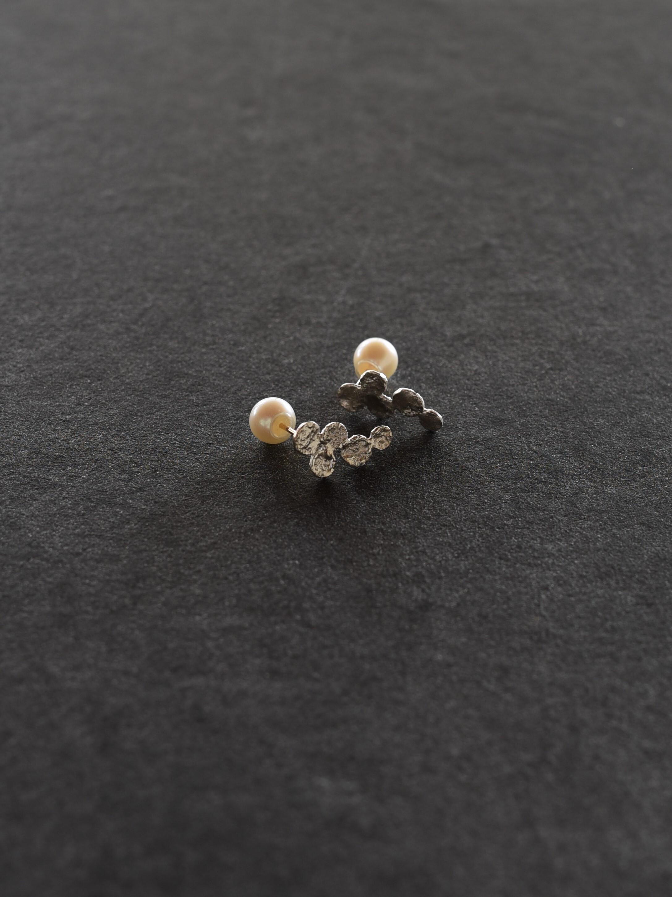 accessories mau|P-41 ぶどうピアス silver