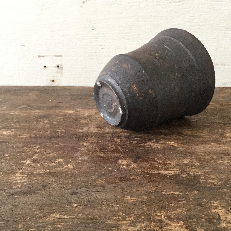 【恵山・小林耶摩人】  カップ  黒釉 φ8.7cm×h9cm  - 画像4